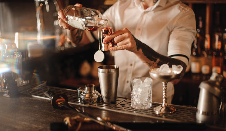 5 Ways Having A Full Bar Can Drive Profits For Your Restaurant