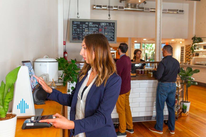 NFC Mobile Payments: What They Are & How They Work